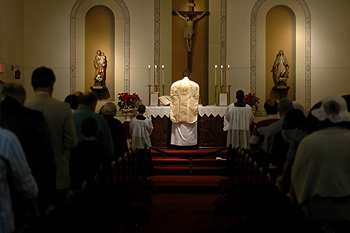 Tridentine_mass_st_marys_by_the_s_2